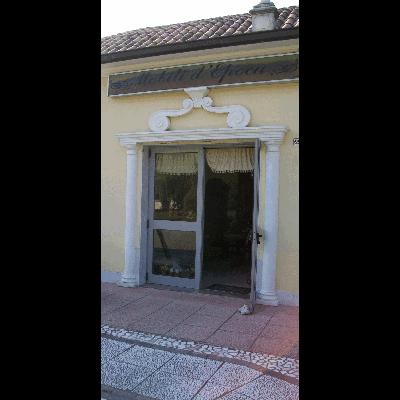 Mobili D\'Epoca di Debbia Daniel - Antiquariato San Michele ...