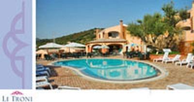 Hotel Li Troni