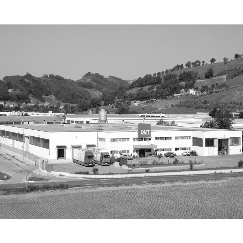 Bmt Industria Arredo Bagno.Bmt Bagno Accessori E Mobili Montecalvo In Foglia Paginegialle It