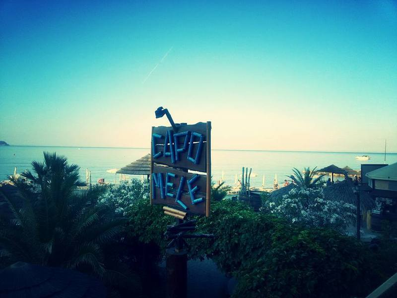 Bagni capo mele dog beach in liguria