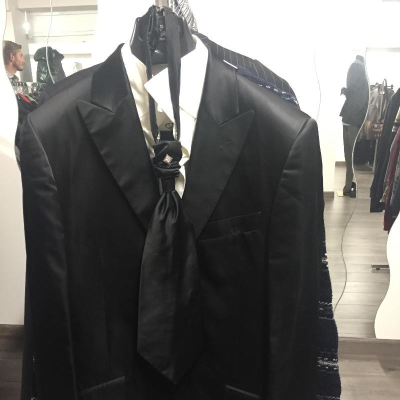 Oki Doki Abbigliamento Usato - Abbigliamento - vendita al dettaglio Prato  8b2c38a3ba8