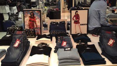 Abbigliamento dettaglio Alternativa al vendita Abbigliamento 5PPx6qFg