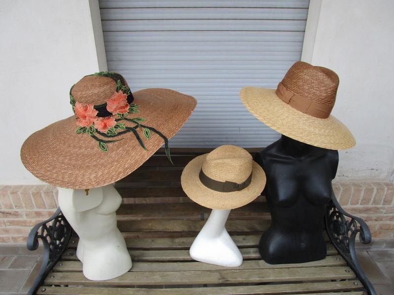 Cappelli uomo e bambino vendita al dettaglio a Rieti  1a55d6299ff1
