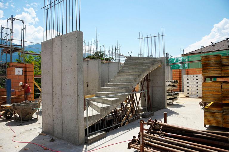 Scale in cemento Obibau