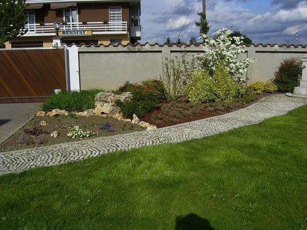 Giardini Moderni Borgomanero : Arredi per giardini a bellinzago novarese paginegialle