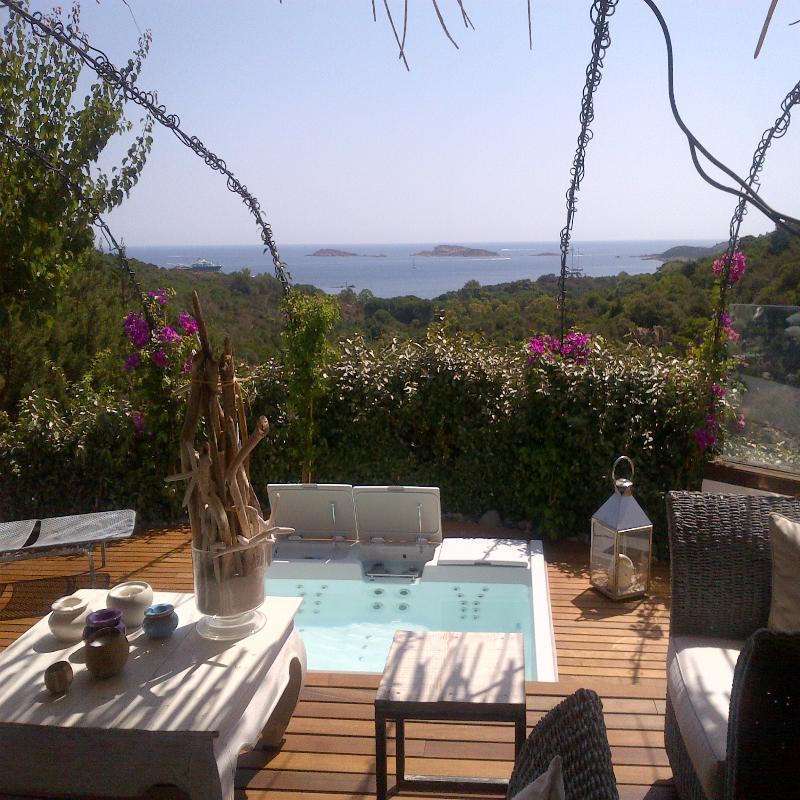 Mini piscina idromassaggio panoramica