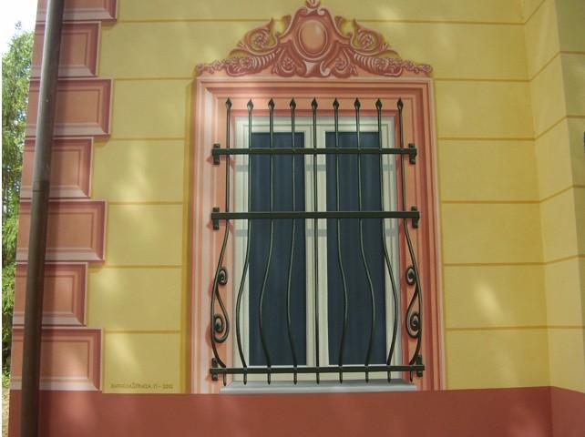 Particolare decorazione facciata Stracca