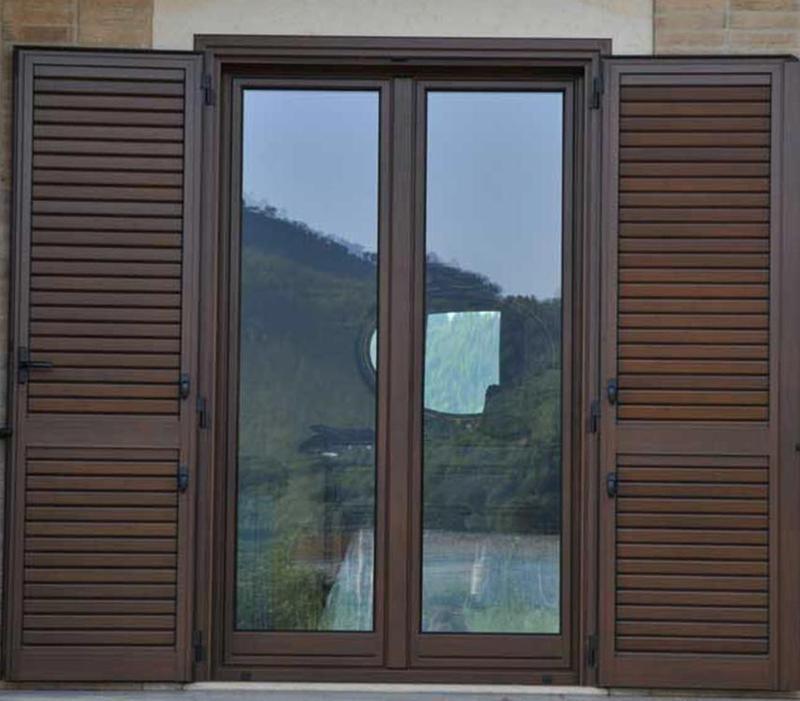 Realizzazione Infissi in legno e alluminio Napoli