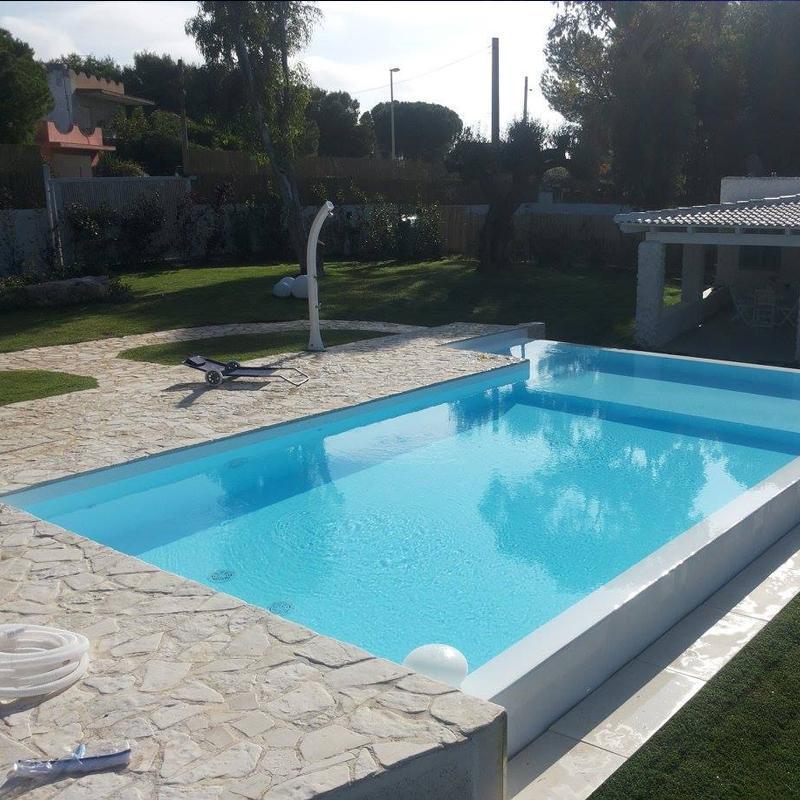 Piscine ed accessori costruzione e manutenzione acqua for Accessori piscine