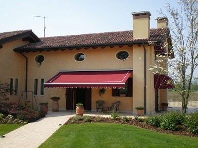 Tende da sole teloneria tecnosol ravenna paginegialle casa for Casa con garage laterale