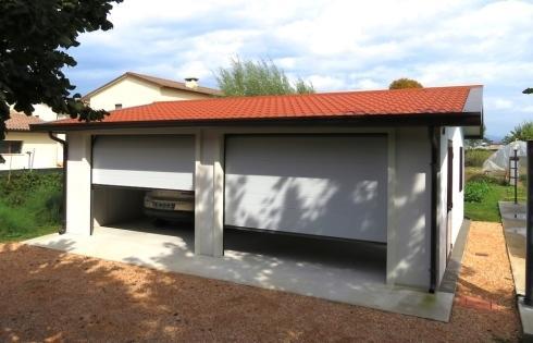 M d t prefabbricati metallici ca 39 degli oppi via dei for Garage prefabbricati con alloggi