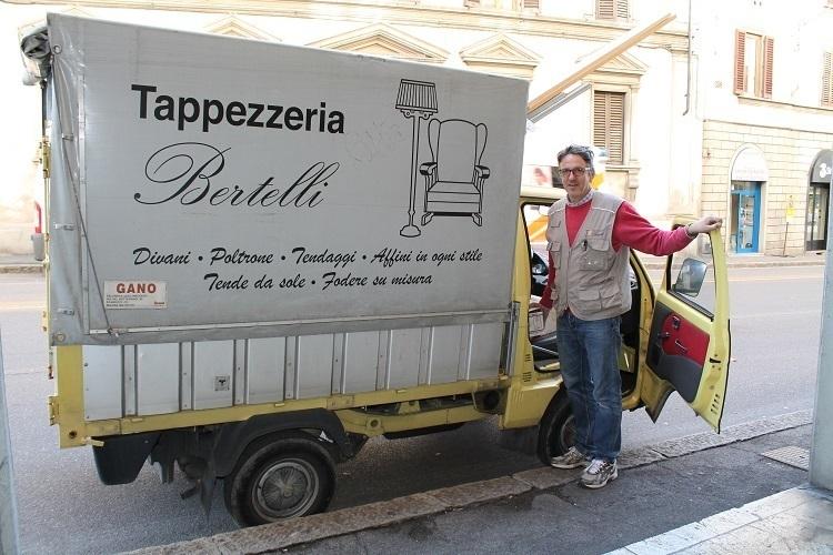 Preventivo per tappezzeria bertelli firenze paginegialle for Tappezzeria casa