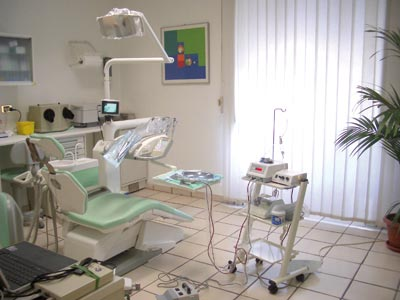 Ambulatorio Dentistico Luongo Dr. Antonio - Odontoiatria ed Implantologia