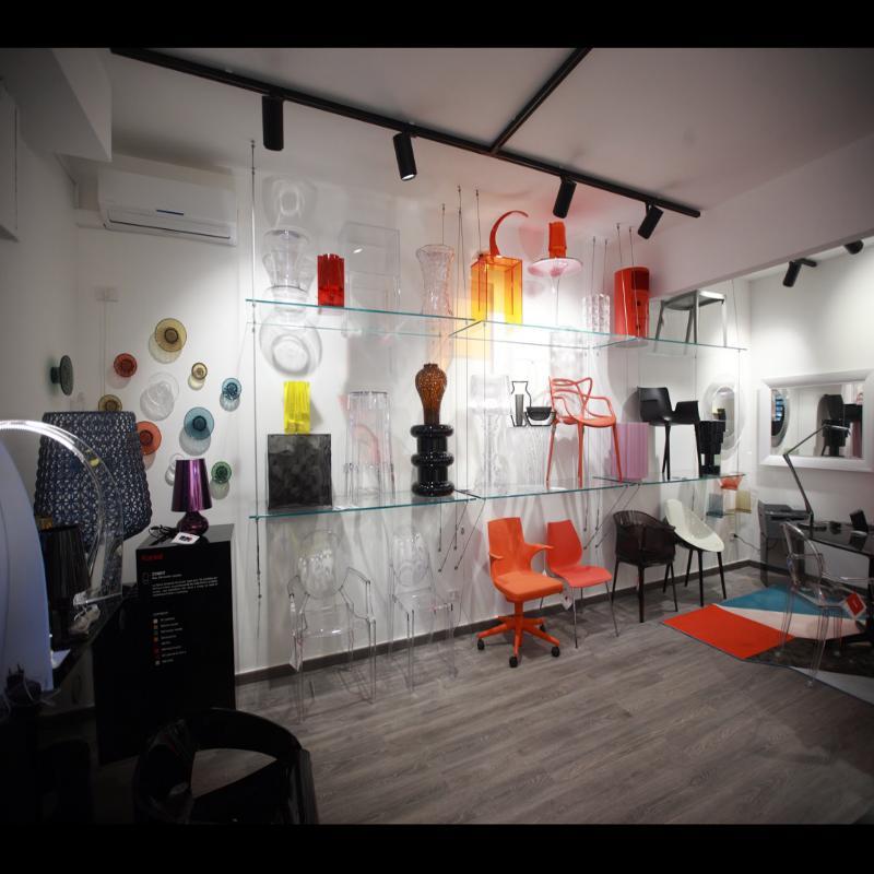 luci, design, design taranto, sedia moderna rossa