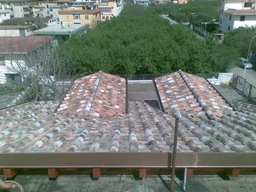 Realizzazione e posa di tetti e tettoie