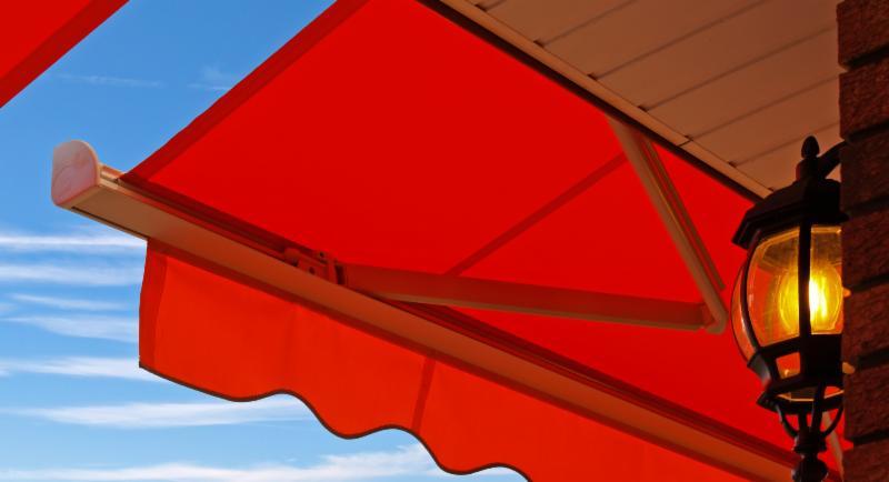tende rosse da esterno