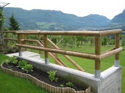 Recinzione - pali legno impregnato - supporti zincati palo - Garden Center Bernardi