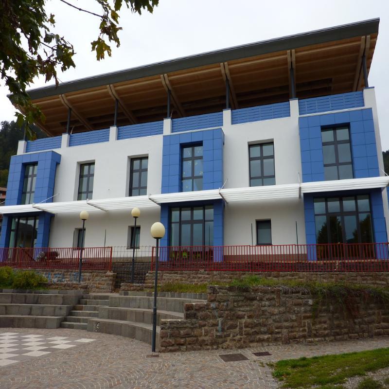 Riqualificazione,scuola,rivestimento,facciata,hpl,pannelli