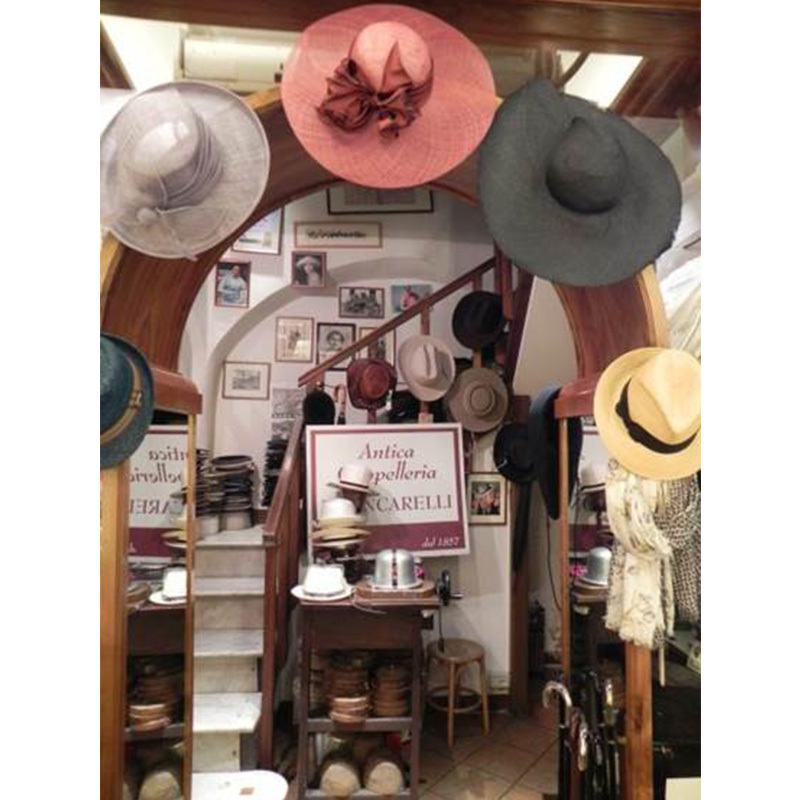 Cappelli uomo e bambino vendita al dettaglio a Roma  c7dc1af68083