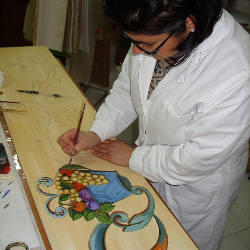 Disegni e pitture su mobili e infissi