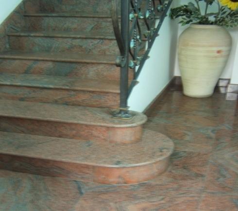 Pavimenti e scale in marmo