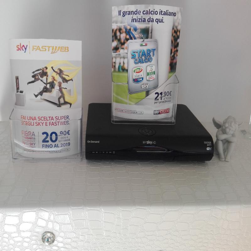SKY per info e Abbonamenti tel:3476105552, Esposizione a Monopoli in Via: Sammarelli n°5.