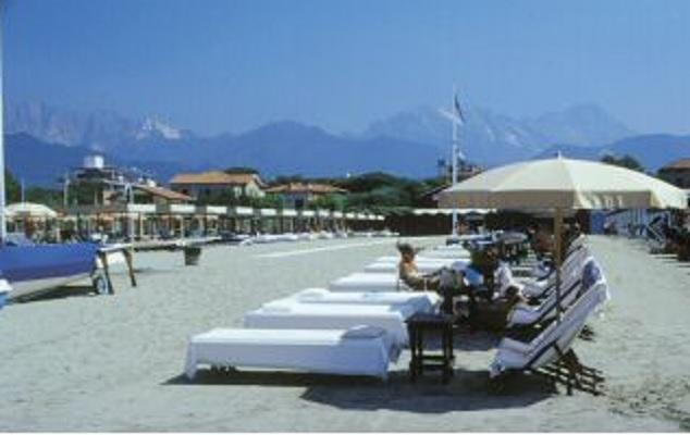 Ristorante Bagno San Marco Fiumaretta : Stabilimenti balneari con ristorante a bagnolo in piano