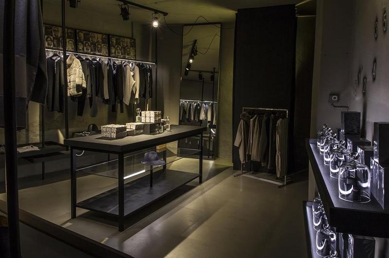 Abbigliamento uomo vendita al dettaglio a Vailate  91740180eae