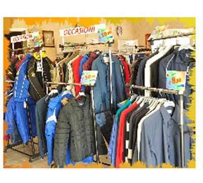 Personalizzazione abbigliamento a Civitavecchia  b54e6aa61892