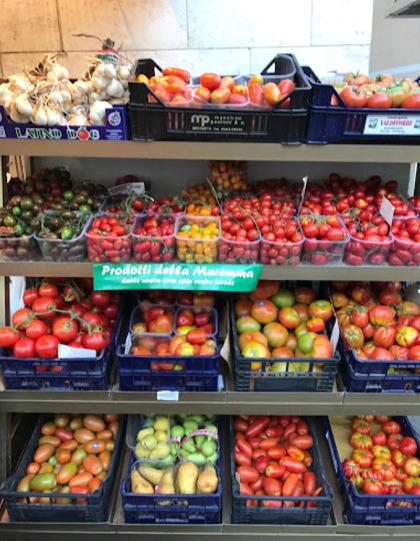 Frutta Verdura conserve spezie prodotti tipici in centro a Castiglione della Pescaia