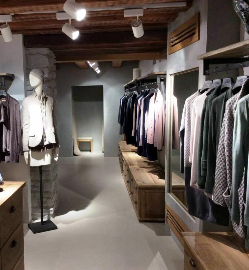 a0d423d80738 Falconeri Maglieria e Abbigliamento in Cashmere