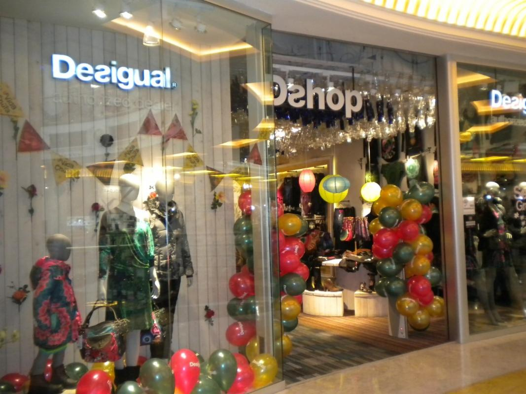 outlet store 5118b 6fa5a Desigual, Roma - RM - Centri commerciali, supermercati e ...