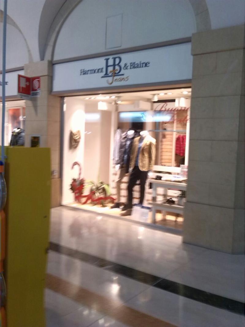 Abbigliamento ingrosso a Taranto  06289d108f96